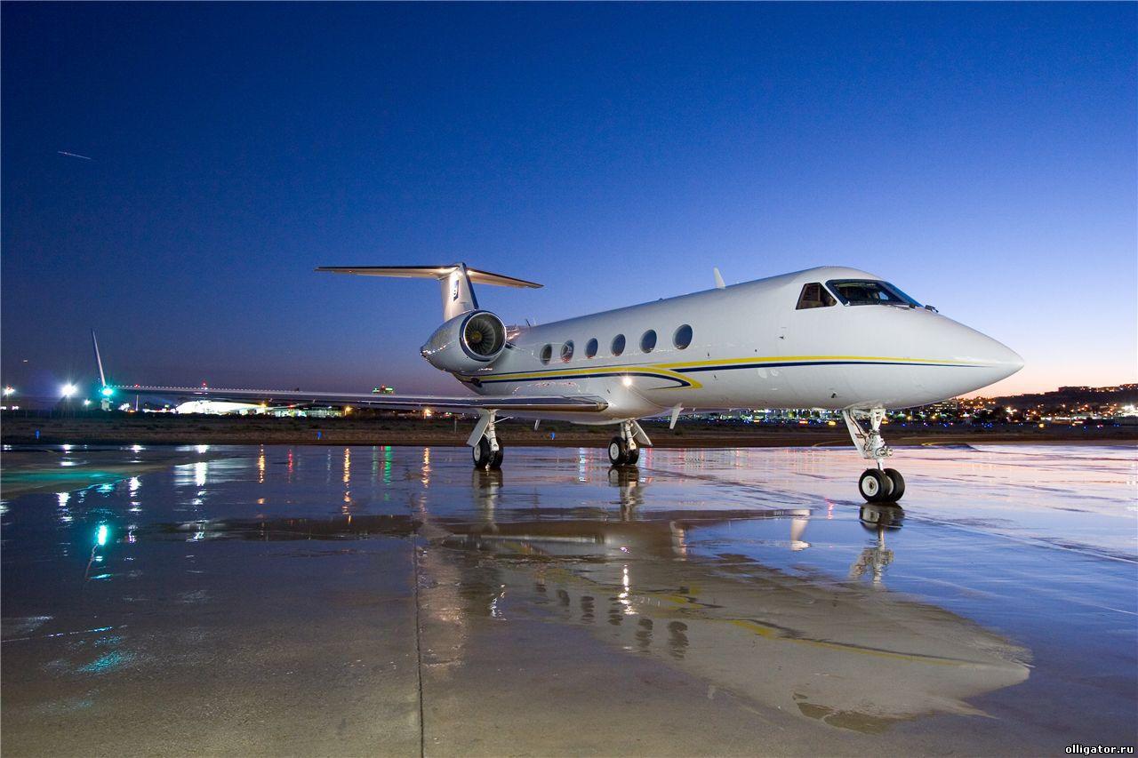 Подержанные самолеты для нашего политического класса - Actualno.  Втора ръка самолети за политическата ни класа...